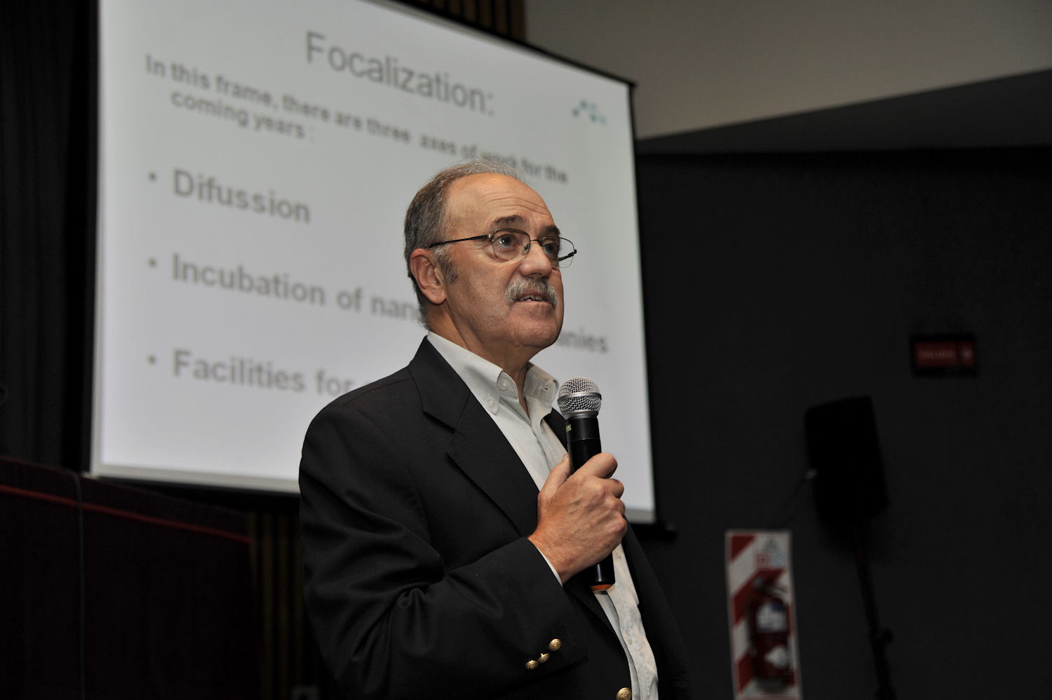 Barañao delivered a lecture at Harvard and signed a cooperation agreement in Computer Science